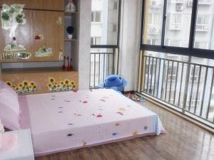 这个小三室怎么装都要秀优越感 你咋不上天呢?