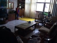 老虎沟二中门口三室两厅120平米5楼普装免税房家电50万