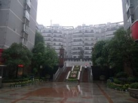 北京路北京小镇毛坯房3室60万楼层适中
