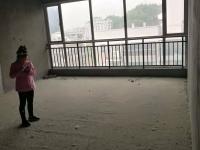急售北京路柳林春晓毛坯4室,152平125万在15楼