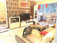 精装修3室2厅2卫,家具家电齐全关门卖。