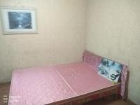 东岳山庄有多套单间出租,主卧室,次卧室 有空调