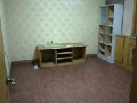 东岳南山小区2室1厅60平方简装房出售25万
