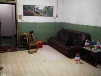 人民南路太和旁人行家属楼3室简单装修