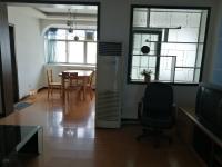 豪华装修 热水 暖气 实木地板 全套家具 安全安静 品质享受