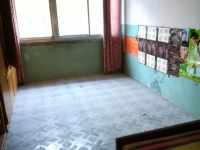 东岳路个体公寓 适合投 资等拆 迁 临街两室 急售28万