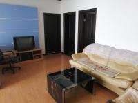 豪华装修 热水 暖气 实木地板 全套家具 安全安静 尊贵享受