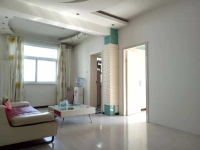 人民医院家属楼3房两厅一卫,简单装修,房东空置空,有钥匙,随时看房!