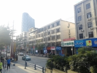 五堰  邮电街  手机批发城院内三楼110平方大三室
