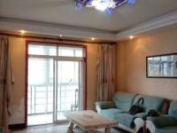 富康小区步梯精装房,三居室117平,低价出售。