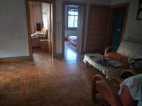 柳林路 中装大两房 诚心出售 中间楼层 随时看房!