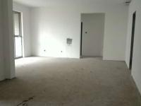 四方新城半山尚三室可变四室可贷款电梯毛坯附近有谢家小学