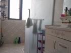 精裝修上海路金座30樓,兩室兩廳,88平,70萬 送高檔家具家電,有熱水暖氣