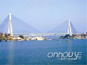 郧县推动开发区发展给力投入五十八项目百亿元